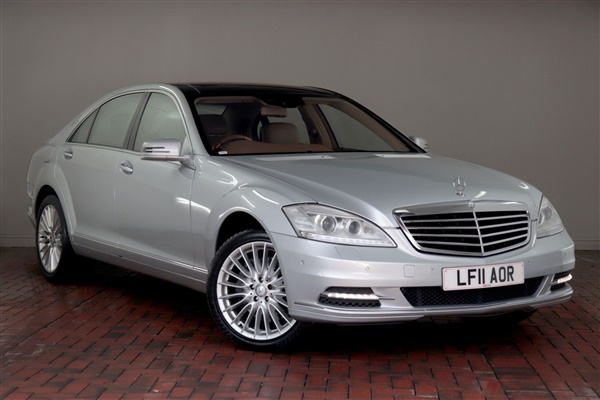 Mercedes-Benz S Class S500L [Night Vision, Rear Seat