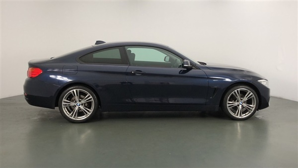 BMW 4 Series 420i xDrive Sport 2dr Auto Coupe