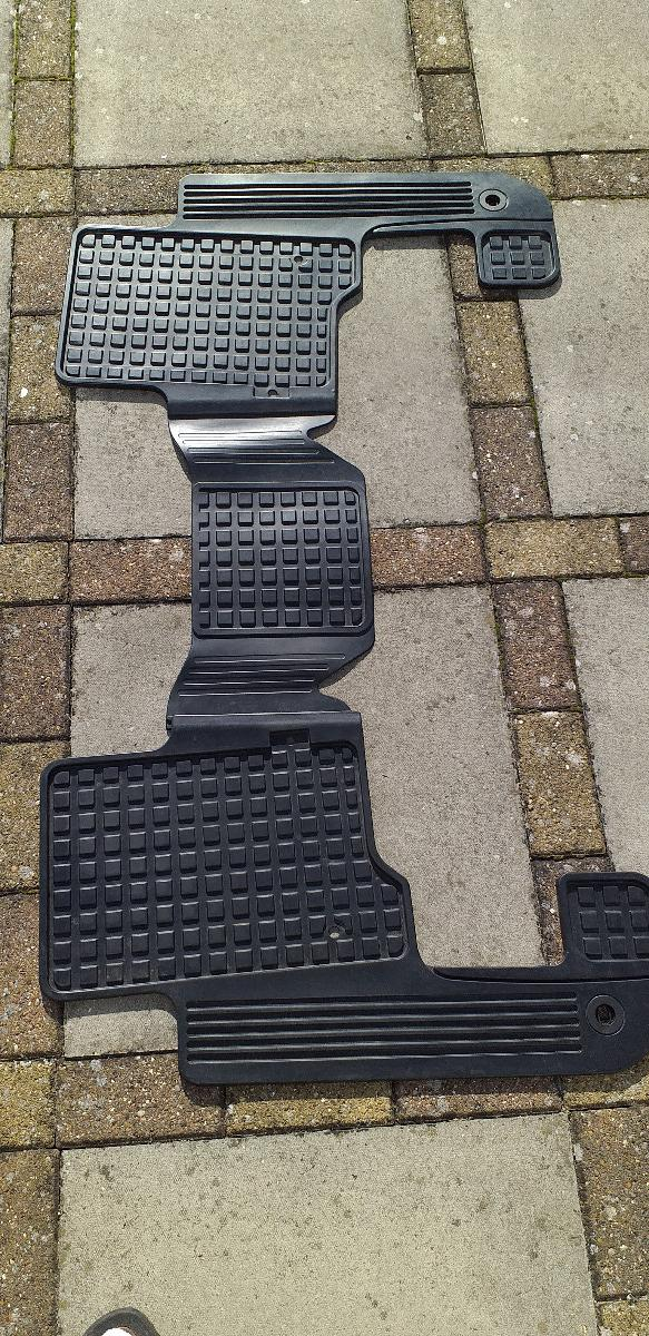 discovery 4 floor mats