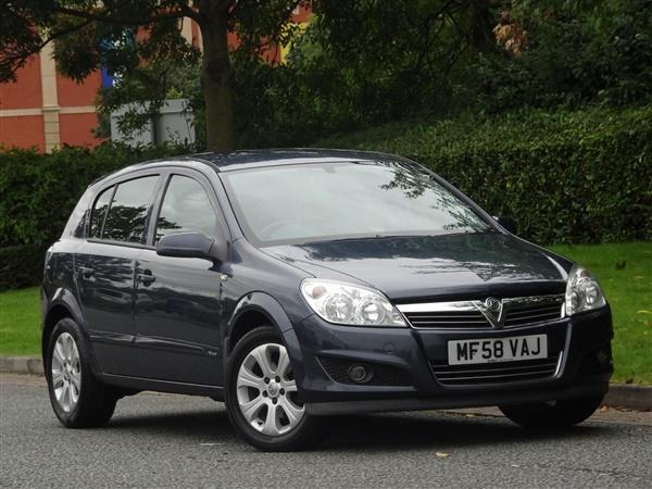 Vauxhall Astra 1.4i 16V Breeze Plus 5dr