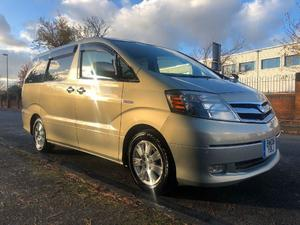 Toyota Alphard  in West Molesey | Friday-Ad