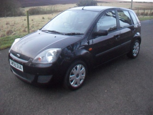 Ford Fiesta 1.2 STYLE 16V 5d 78 BHP