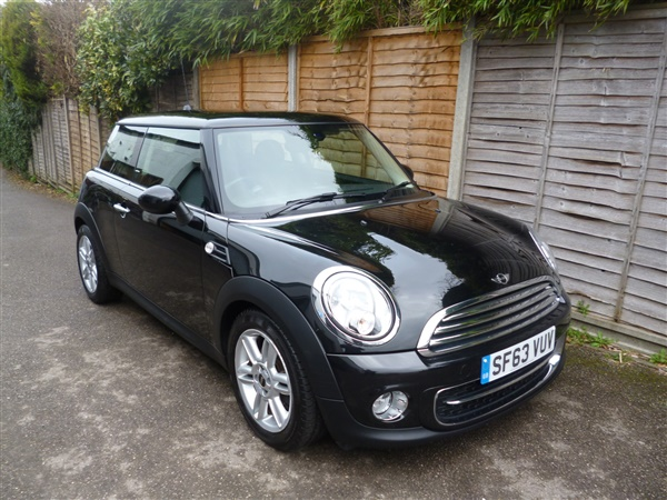 Mini Hatch COOPER D ONLY  MILES FROM NEW Auto