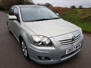 Toyota Avensis  in Chichester | Friday-Ad