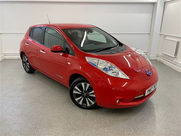 Nissan Leaf 30kWh Tekna 6.6kw Charging Auto