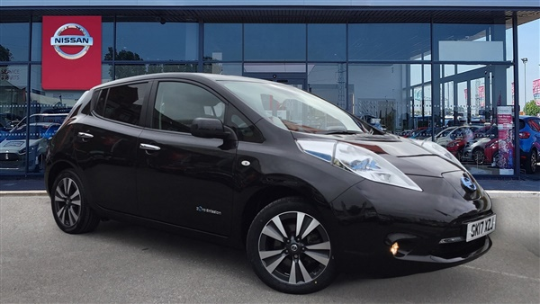 Nissan Leaf 80kW Tekna 30kWh 5dr Auto [6.6kW Charger]