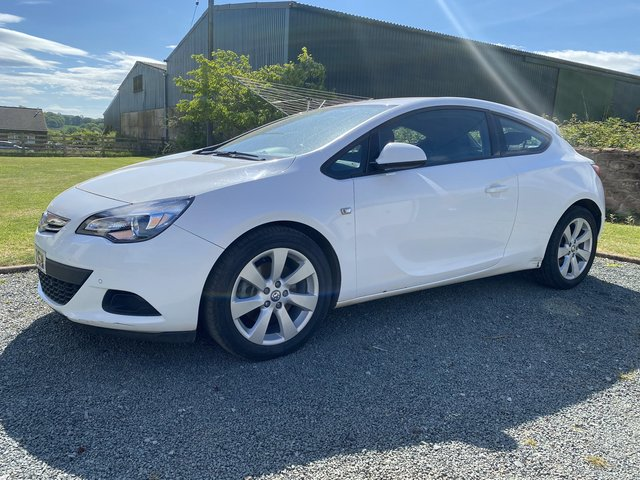 Vauxhall Astra GTC  Low mileage 1.7 3dr